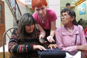 Sofia visar iPhone och Brailino
