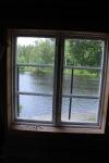 fönster med utsikt över vatten