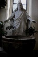 Dopfunt och Kristus i Vårfrukyrkan